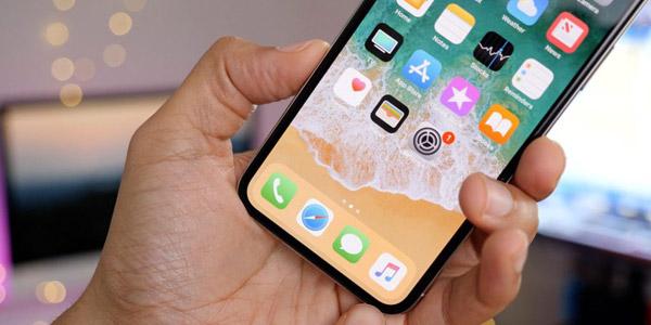 Снижение объёмов производства iPhone X больно ударит по Samsung
