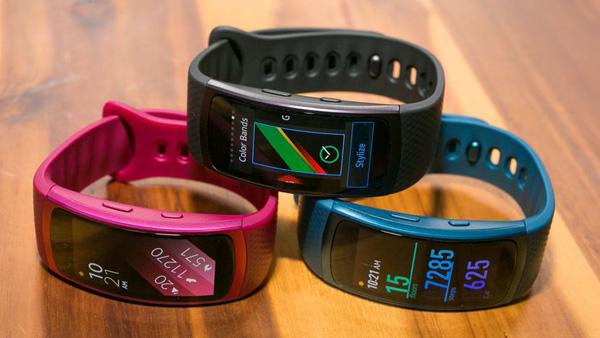 Samsung готовит гибрид фитнес-трекера и смарт-часов